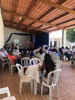 Entrega dos tablets de Messias para os agentes de saúde.